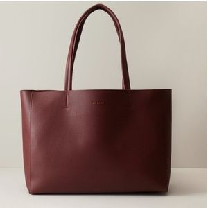 LOVE AND LORE HEATHER EAST-WEST TOTE AUBURN